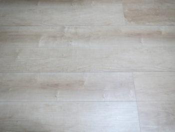 我が家の合板の床材の画像