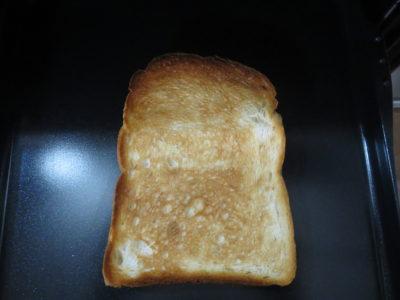 ノーリツのコンロ「プログレ」のプレートパンを使いってオートメニューで焼いたパン画像