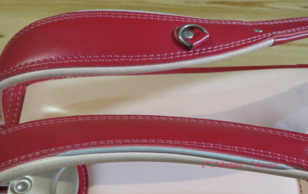 中村鞄のランドセルの肩ベルト横から画像