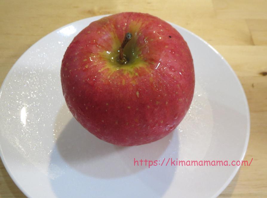 ベジセーフをリンゴにスプレー画像