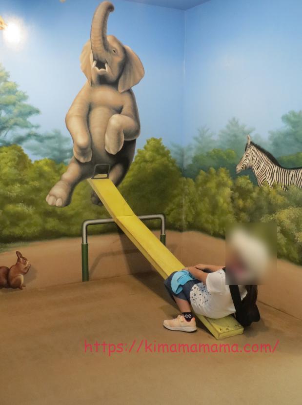 ゾウとシーソー画像