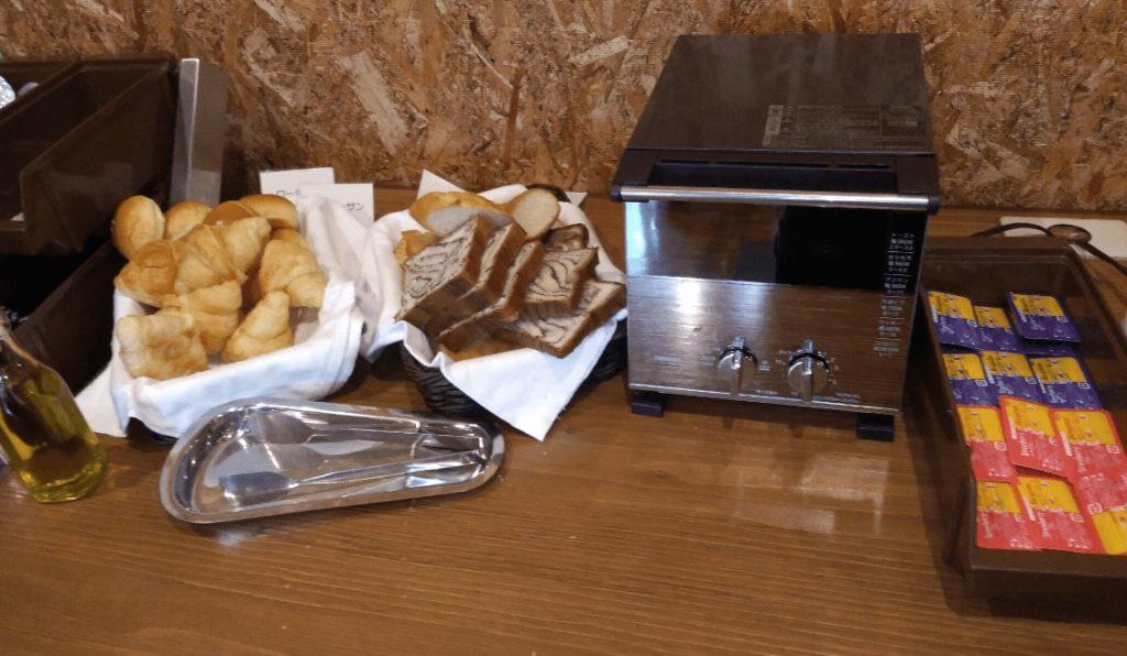ロゴスファミリーレストランの朝食バイキングの画像